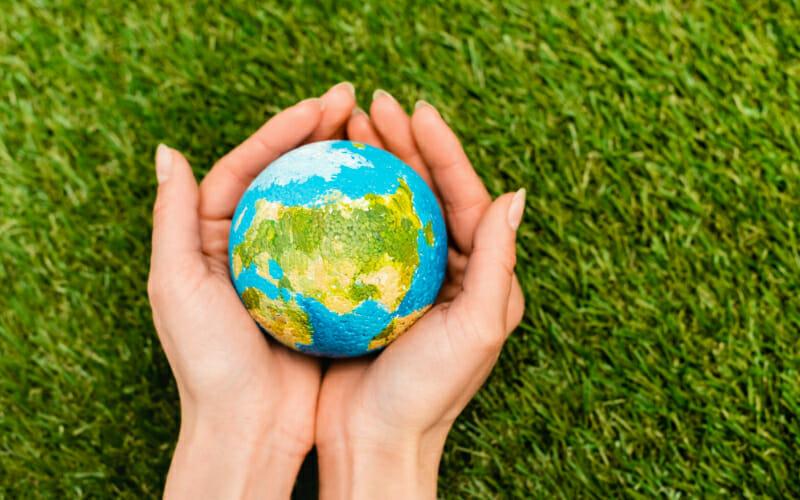 Le polyuréthane est un produit écoresponsable car en isolant, on limite les empreintes carbone